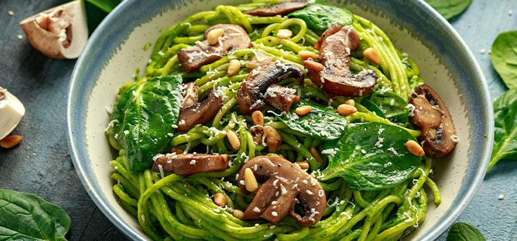 Easy Mushroom Pesto Spaghetti For A Cozy Dinner! [Recipe] | ultimatemedicinalmushrooms.com