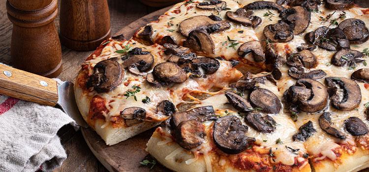 Extra Cheesy Mushroom Pizza That Takes Only A Few Minutes! [Recipe]   ultimatemedicinalmushrooms.com