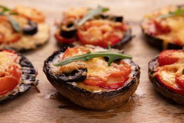 These Portobello Mushroom Pizzettes Are Your Next Party Trick [Recipe] | ultimatemedicinalmushrooms.com