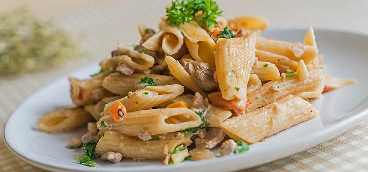 Alfredo Pasta with Portobello To Satisfy Your Cravings | ultimatemedicinalmushrooms.com