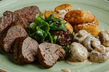 Dinner Steak with Cremini Mushroom Sauce | ultimatemedicinalmushrooms.com