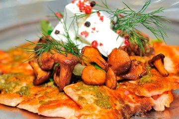 A New Healthy Favorite: Grilled Salmon With Chanterelles   ultimatemedicinalmushrooms.com