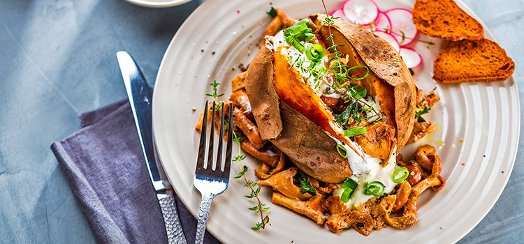 Spiced Lamb With Mushrooms Is The Dinner You Deserve | Ultimatemedicinalmushrooms.com