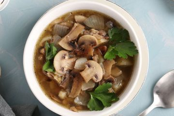 A Simple White Mushroom Stock Is What You Were Missing [Recipe] | ultimatemedicinalmushrooms.com